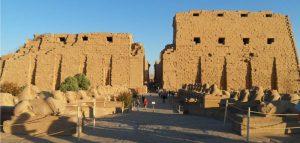 Templo de Karnak (templo al aire libre)