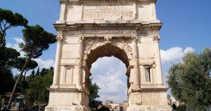 Arco de Tito en el foro romano